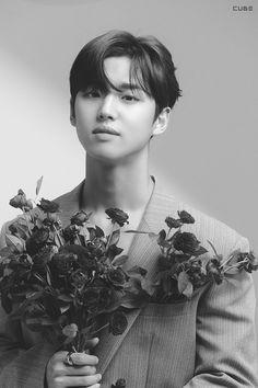 Pentagon Hongseok, Jersey Boys, Flower Boys, Cube Entertainment, Disney And Dreamworks, Boy Groups, Photo Cards, Mini Albums, Kpop