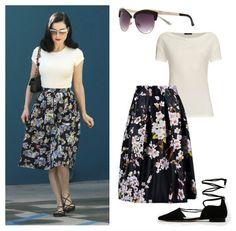 Dita von Teese 1950s pinup vintage style - how to dress like Dita at Vintagen Blog.
