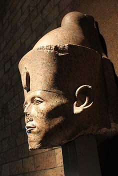 MUSEO DE LUXOR: SESOSTRIS/SENUSERT III | Uno de los mas gran… | Flickr