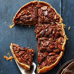 Craving a flaky-crust pie, but short on oven space? Let your slow cooker do the work! These clever slow cooker pie recipes, including favorites like pecan, pumpkin, and apple, cook to perfection right on your countertop for a no-oven-needed dessert recipe.