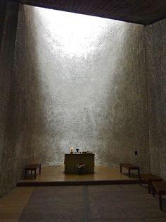 Le Corbusier | Charles-Édouard Jeanneret-Gris (Swiss-French, 1887-1965) | La chapelle de Notre-Dame du Haut à Ronchamp | Dessiné en 1950 et construit en 1954