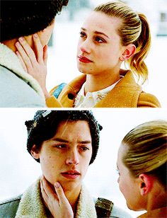ashley → 24 bughead queen & force of nature Bughead Riverdale, Riverdale Funny, Riverdale Memes, Rory And Amy, Eric And Sookie, Ed And Winry, Fionn Whitehead, Emo Couples, Riverdale Betty And Jughead