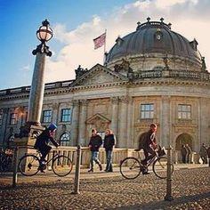 Berlin 2011. #carolinanehringphotography #germany #german #berlin #berlinstagram #deutschland #deutsch #bike #bikelife #architecture #architecturelovers #building #ciclismo #bicicleta #bluesky #europe #european #lifestyle #instadaily #instalike #instamood #instamoment #instabike #sunnyday #tbt #berliner #berlincity #berlinstyle #sustentabilidade #happiness by carolinanehring http://ift.tt/1TQKBxH