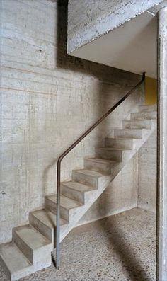 Le Corbusier . couvent Sainte-Marie de la Tourette