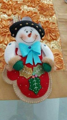 Christmas Clay, Christmas Sewing, Christmas Themes, Christmas Crafts, Christmas Decorations, Christmas Ornaments, Holiday Decor, Christmas Stuff, Felt Ornaments