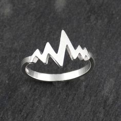 Heartbeat Zigzag Ring - Sterling Silver - Sizes 3-10