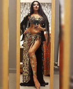 "3,806 Likes, 102 Comments - Alex DeLora (@alexdelora) on Instagram: ""Just selfie before ( or... after...) performance 😊🧚‍♀️💃 #bellydance #dance #danzadelvientre…"""
