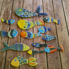 More Salt Clay ideas - search ceramic fish Fish Crafts, Clay Crafts, Arts And Crafts, Clay Art Projects, Ceramics Projects, Pottery Tools, Pottery Classes, Ceramic Pottery, Ceramic Art