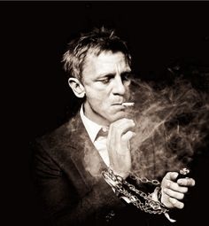 only one can pull this. Daniel Craig smoking portrait in black and white. / By Murray / January 2012 Daniel Craig, Foto Portrait, Portrait Photography, White Photography, Beautiful Men, Beautiful People, Don Corleone, Photo Star, Rachel Weisz