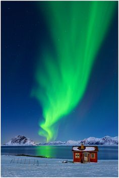 Great shot of Norway's Northern Lights by Christian Bothner.