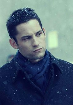 Enrique Murciano (stars in Without a Trace)