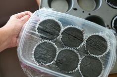 how to store unfrosted cupcakes overnight