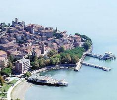 Hotel Lido a Passignano sul Trasimeno ★★★ Wedding Locations, Amazing Places, Tuscany, Grande, The Good Place, Cities, Bucket, River, Awesome