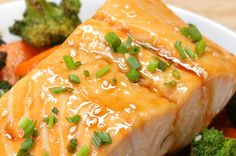 WUT?! This salmon dinner is what you'll want for dinner every single night. No kidding. | This One-Pan Teriyaki Salmon Dish Is What You Should Have For Dinner Tonight