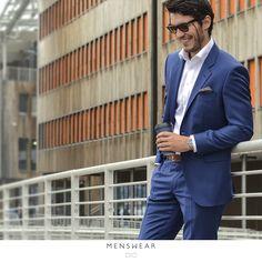 Fra jobb til sommerens festligheter i samme antrekk! Kom innom oss for god hjelp og inspirasjon. På bildet: Dress med super 130's ull fra Italienske Lanificio F.lli Cerruti. kr. 4.495,- www.menswear.no #menswear_no #menswear #dress #oslo #tjuvholmen #lysaker #bogstadveien #hegdehaugsveien #dress #jobb#fest #viero #vieromilano #suit #suitup #slips #viero  Photo: @katyadonic