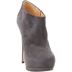 Pre-owned Giuseppe Zanotti Eva 105 Grey Suede Ankle Booties ($115) ❤ liked on Polyvore featuring shoes, boots, ankle booties, heels, stiletto booties, heeled booties, heel boots, grey booties and grey boots