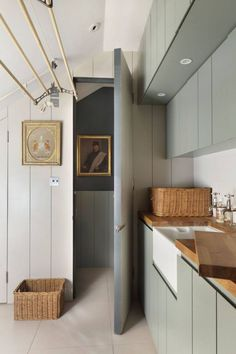 Discover small spaces design ideas on HOUSE - design, food and travel by House & Garden. Utilise that strange little space in your house by turning it in to a smart utility room. NICE IDEA FOR LAUNDRY ROOM Boot Room Utility, Small Utility Room, Utility Room Designs, Utility Room Ideas, Utility Room Storage, Small Laundry Space, Utility Sink, Small Storage, Storage Ideas