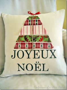 Confessions of a Plate Addict's Joyeux Noel Pillow