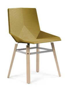 Silla verde Outdoor Chairs, Outdoor Furniture, Outdoor Decor, Cool Designs, Home Decor, Kerosene Lamp, Aluminum Cans, Mouse Traps, Green Chairs