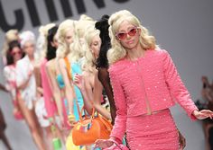 Показ весна лето 2015 Moschino by Jeremy Scott #fashion #мода #fashionattack #показ