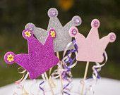 Artículos similares a Glitter Crown Spikes, Princess party decorations en Etsy