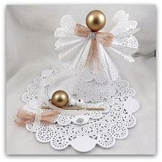 1 million+ Stunning Free Images to Use Anywhere Shabby Chic Christmas Ornaments, Christmas Angel Decorations, Christmas Ornament Sets, Angel Ornaments, Handmade Ornaments, Christmas Angels, Christmas Diy, Paper Doily Crafts, Doilies Crafts