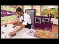 Cómo hacer unas patatas bravas de diez - Ocho Sabores Antipasto, Chefs, Tapas, Things I Want, 1, Youtube, Recipes, Gourmet, Appetizers