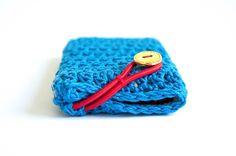 "joyofmotionshop ""The iPhone Case"" - with a button & elastic - crochet pattern http://joyofmotion.no/shop/crochet-patterns/iphone-case-button-elastic-crochet-pattern/"