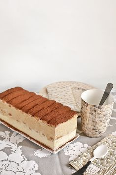 Receta layer cake helado de tiramisú Layer Cake Recipes, Dessert Cake Recipes, Sweet Desserts, Sweet Recipes, Ice Cake, Chocolate Party, Tiramisu Cake, Italian Desserts, Sweet Tarts