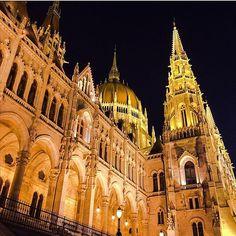 Hungarian Parliament Building🌆 Photo by: @kolibri_309 #parliament #boscolobudapest #photooftheday