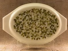 1960's Pyrex Olive Verde Milk Glass Lid only $8 for your 1 1/2 Quart or 2 1/2 Quart Casseroles.  A great addition to your Vintage Kitchen collection. Visit my Vendor Booth at PICCADILLY 7427 156TH AVE (Highway 50 and Highway MB) Bristol, WI 53104 Tel:262-857-3509 Tues-Friday 10-6pm,Sat 10-4pm,Sun 12-4pm Monday Closed. Piccadilly is a unique shop in between the City of Kenosha and Lake Geneva in South East Wisconsin. The shop is located on Hwy 50 and Hwy MB in the Village of Bristol, WI.