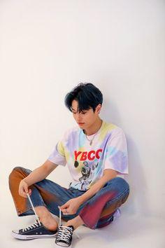 200927 hourly seungyoun on Twitter Gamer Boyfriend, Rapper, Babe, My Pool, Men Photography, Kpop Guys, Golden Child, Korean Men, Yuehua Entertainment