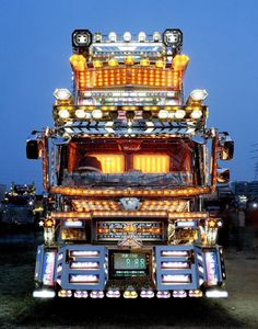 Dekotora: The Ridiculously Decorated Trucks of Japan Semi Trucks, Lifted Trucks, Pickup Trucks, Dually Trucks, Dodge Trucks, Cool Trucks, Big Trucks, Trailers, Off Road Experience