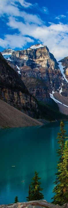 Moraine Lake at Banff National Park in Alberta, Canada. Banff National Park, National Parks, Beautiful World, Beautiful Places, Places Around The World, Around The Worlds, Moraine Lake, Alberta Canada, Canada Canada
