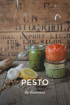 PESTO By diadonna Made with walnuts and roasted sunflower seeds Green Pesto Walnuts or roasted sunflower seeds Fresh basil olive oil lemon garlic salt Red pesto Roasted red pepper, peeled Roasted sunflower seeds Salt #food www.bydiadonna.femina.se @diadonna by @feminaaller