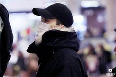 G-Dragon at Gimpo airport going to Osaka