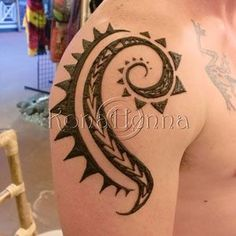 Ideas for tattoo arm men henna Henna Tattoo Shoulder, Men Henna Tattoo, Henna Men, Henna Body Art, Hand Henna, Henna Tattoos For Guys, Tatoos, Henna Hands, Art Tattoos
