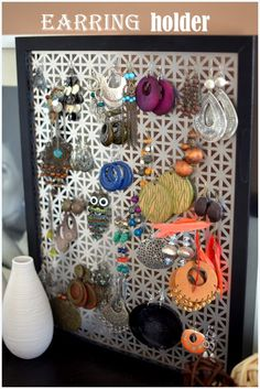 PlaceOfMyTaste: DIY: Ohrringhalter Source by MeatOrchid Closet Organization, Jewelry Organization, Organizing Earrings, Diy Earring Holder, Jewelry Holder, Jewellery Storage, Diy Jewelry, Fashion Jewelry, Deco Design
