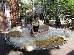 This floating bed would be SO COOL in the backyard.