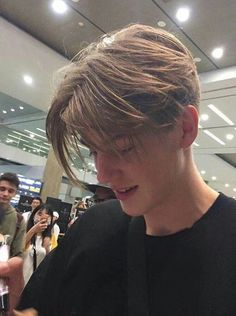 lowkey miss ruel's short curtains ngl 👀 - - - Beautiful Boys, Pretty Boys, Beautiful People, Grunge Boy, Perfect Boy, Hot Boys, Handsome Boys, Cute Guys, Pretty People