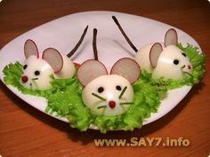 :O presentacion-original-ratones-huevo-duro. Cute Food, Good Food, Yummy Food, Baby Food Recipes, Cooking Recipes, Creative Food Art, Food Art For Kids, Breakfast Plate, Food Carving