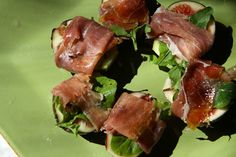 salad with prosciutto, figs and cracked pepper Fig Appetizer, Appetizers, Cracked Pepper, Birthday Dinners, Prosciutto, Figs, Beef, Stuffed Peppers, Party