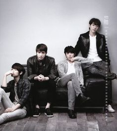 CNBLUE <3 Members: Kang Min-Hyuk; Lee Jong-Hyun; Jung Yong-Hwa;  Lee Jung-shin. Four talented singers!!!
