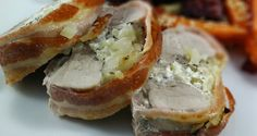 Fyldt svinemørbrad med baconwrap Danish Food, Bagel, Baked Potato, Sandwiches, Recipies, Bread, Grill, Baking, Ethnic Recipes