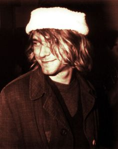 Wearreds annieds christmads bonnetheds..  loveds itheds.!! (Cobain 67-94)
