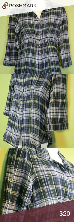 laurie solet MED blue yellow black white plaid/che pit to pit-18.5/37 top to bottom-28         junior size med#LS #lauriesolet #brandnewneverworn #sizemediumjuniors #blueyellowandwhite and black #plaid #3quarterlengthsleeves #stretchy  #buttondowntabstokeepthesleevesup this is2 very thin layers of fabric stuck together. the inside is a black & white checked fabric, and the outside is blue yellow black and white plaid. when you roll up the sleeves you can see the other print #100percentcotton…