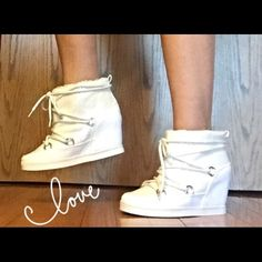 Juicy Couture White Glitter Booties 7.5 Ooh La Lawhite glitter ankle booties with 4 inch hidden wedge heel by Juicy Couture. Micro suede upper - faux fur lining - lace up closure - padded footbed. NEW Display Shoes Size 7.5 Juicy Couture Shoes Ankle Boots & Booties