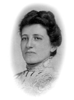 Susan Emma Hertz Howard, M.D., broke off her engagement to have her own career. After graduating at the turn of the century, she became the first woman physician in Burlington, Vermont.