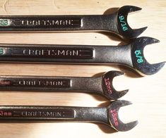 Size Markings for Wrenches and Sockets - I did this on Craftsman wrenches and socket sets of various vintages ranging from my father and gra - Workshop Storage, Garage Workshop, Workshop Ideas, Home Tools, Diy Tools, Garage Tools, Garage Shop, Garage Storage, Garage Organization