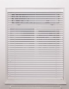 Pure white wood venetian blind with strings | Bedroom blind | Fitted in Wandsworth | Made to measure | Bespoke options available